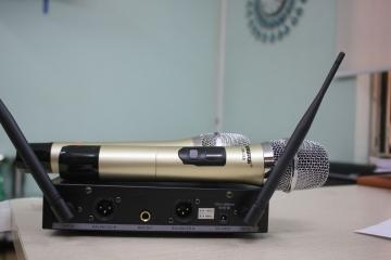 Mua ngay micro không dây Shure chính hãng giá chỉ dưới 2 triệu đồng tại Hà nội